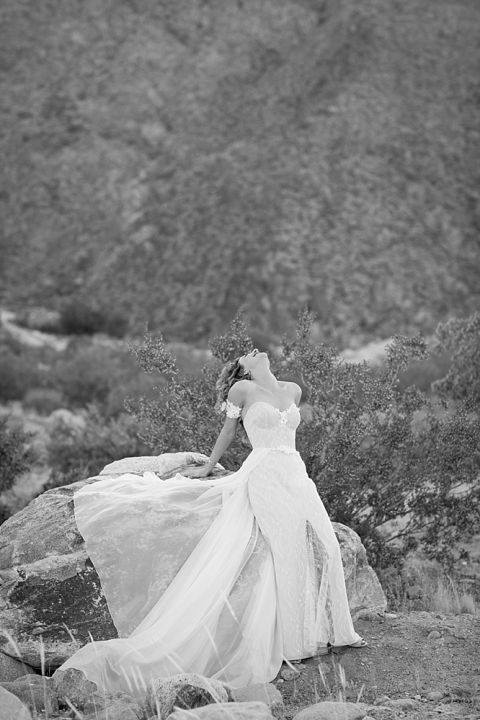 Modern Palm Springs wedding at The Avalon by Michael Segal Photography www.michaelsegalphoto.com
